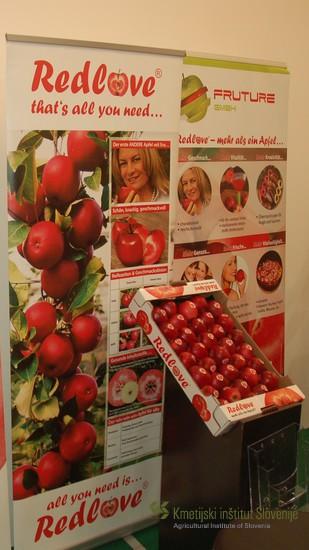 Blagovna znamka Red Love vključuje več rdeče mesnatih jablanovih sort.